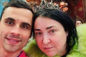 «Зубов вообще нет»: экс-супруг Лолиты потратил 800 тысяч на пластические операции