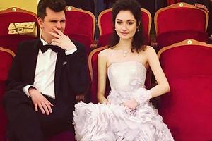 Дочь Любови Толкалиной и Егора Кончаловского показала первые фото со своей свадьбы