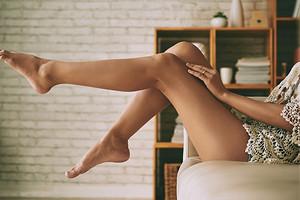 Как быстро снять усталость ног: 6 простых, но эффективных способов, которые можно повторить дома
