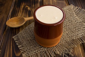 Лучший из кисломолочных продуктов: польза и вред ряженки для организма