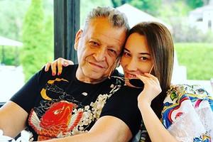 Жена заболевшего COVID-19 Бориса Грачевского рассказала о его состоянии