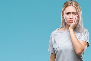 9 тревожных симптомов проблем с зубами, которые нельзя оставлять без внимания