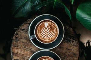 Зелень, кожа и кофе: парфюмерные тренды 2021 года