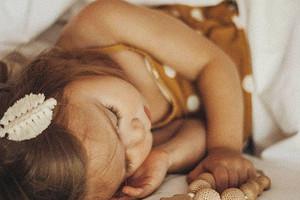 3причины, почему ты долго укладываешь ребенка спать (помогаем решить проблему)