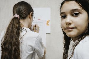 Как помочь ребенку с английским, если сам не очень хорошо его знаешь: 5 способов