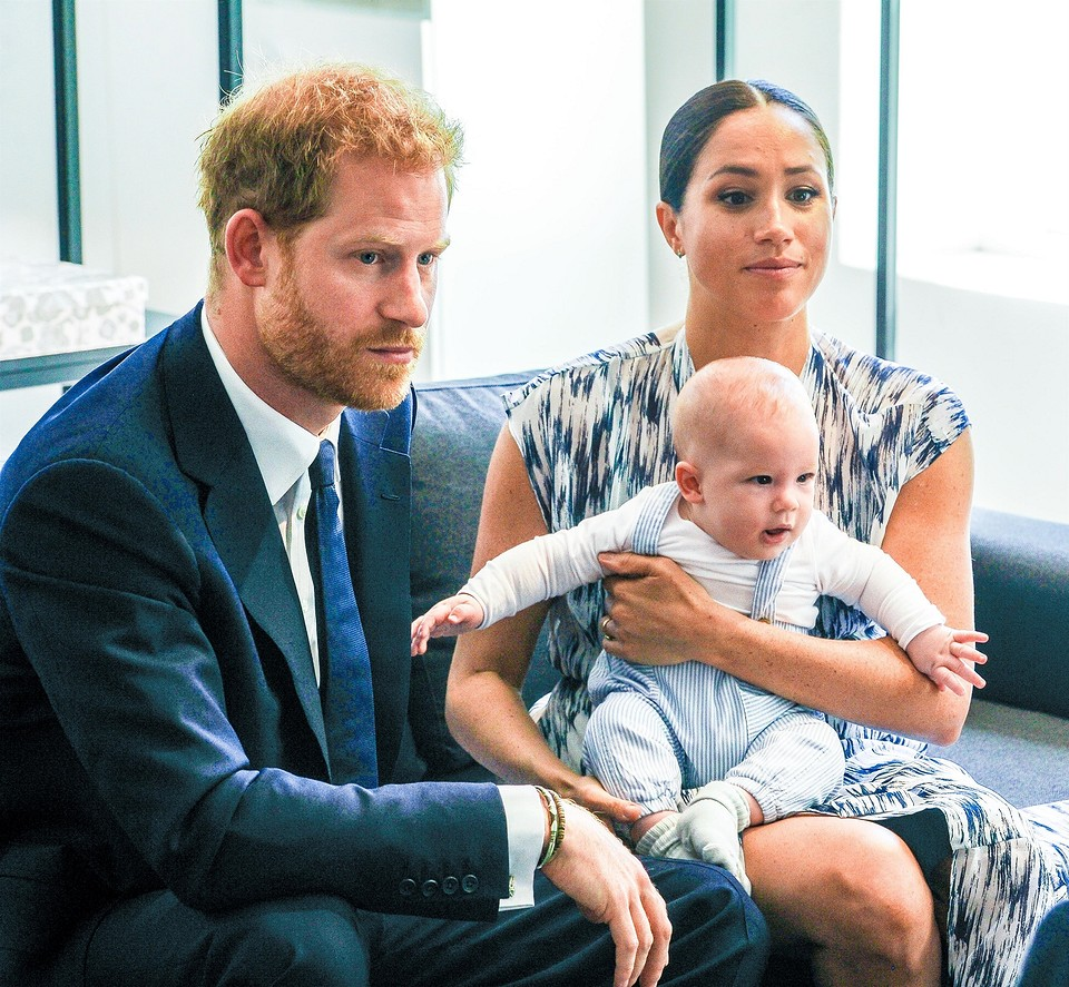 Принц Гарри с женой и сыном
