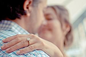 Годовщины свадьбы по годам: названия, идеи подарков, символика