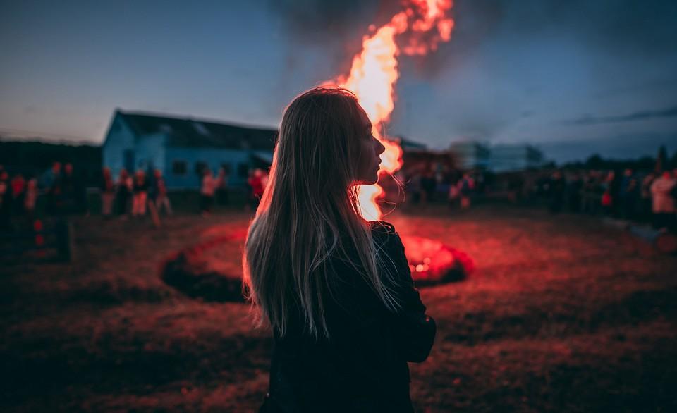 К чему снится пожар: толкования по Миллеру, Цветкову, Ванге и другим сонникам