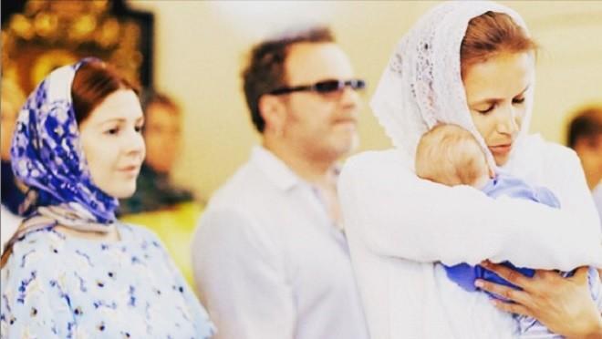 Пресняков и Подольская крестили свого ребенка (фото)