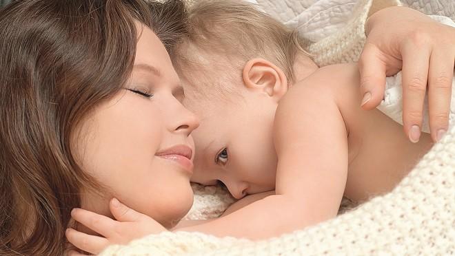 Совместный сон с ребенком может привести к серьезному заболеванию