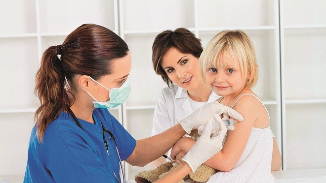Подкожно или внутримышечно: 5 полезных фактов о прививках