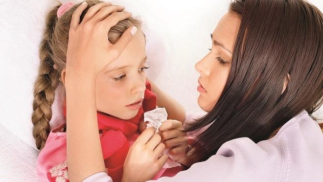 Сбивать ли высокую температуру? Подскажет цвет кожи ребенка!