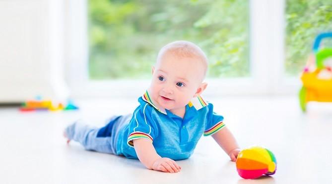 5 способов остановить икоту у ребенка