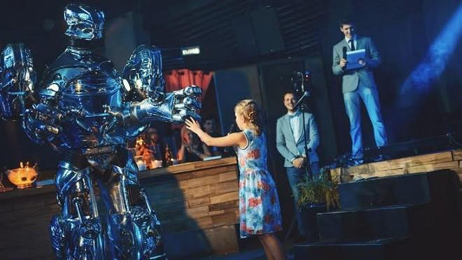 «Детский мир» захватили роботы