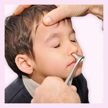 Аллергия на пыль, животных, лекарства… Почему дети страдают от этого недуга?
