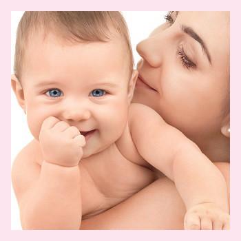 У малыша режутся зубки: сроки, полезные советы