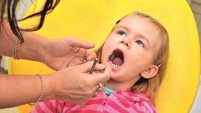 Фруктовые соки портят детям зубы