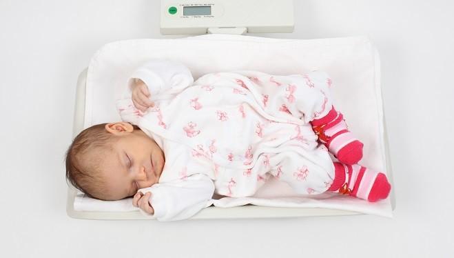 Вес ребенка при рождении может повлиять на здоровье в будущем