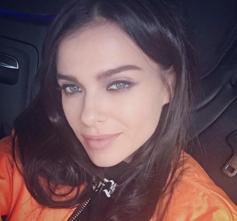 Почему певица Лена Темникова боится экстрасенсов?