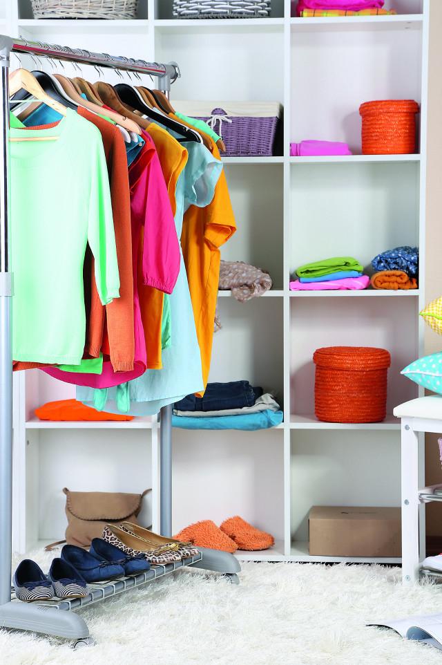 Удобно и стильно: как сделать гардеробную в маленькой квартире