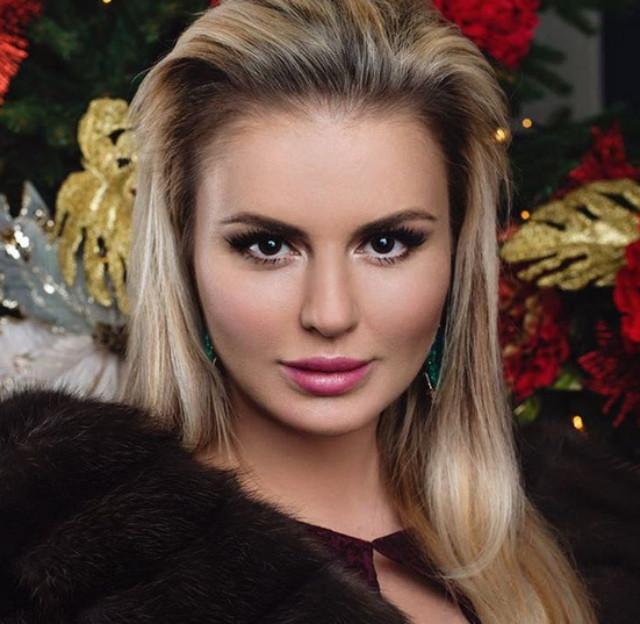Певица Анна Семенович поможет фанатам похудеть к Новому году