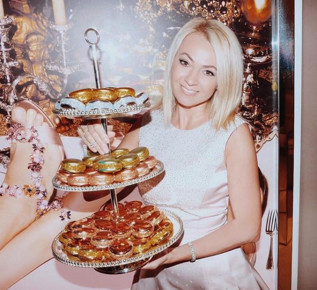 Яна Рудковская похвасталась эксклюзивным новогодним интерьером