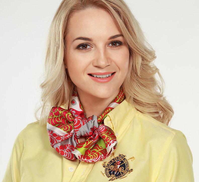 Как завязать платок на шее: 4 оригинальных варианта