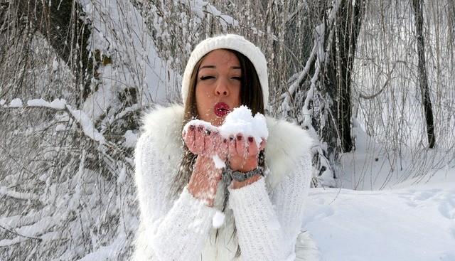 Зимний макияж по всем правилам: топ-5 бьюти-советов