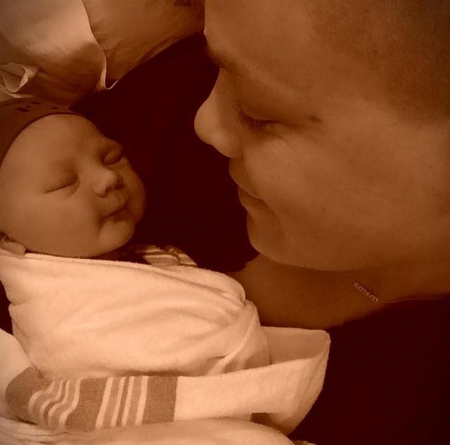 Певица Пинк стала мамой во второй раз