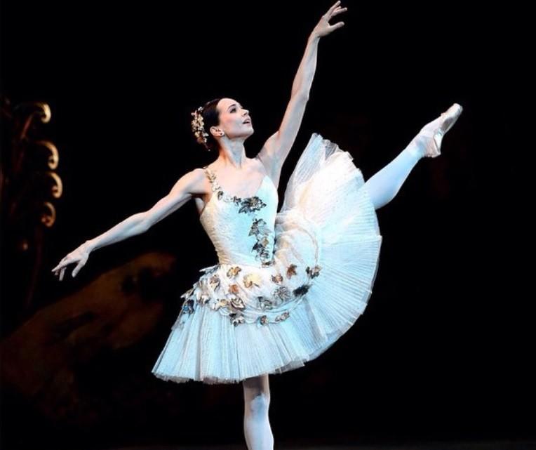 Русская балерина стала звездой клипа Эроса Рамазотти