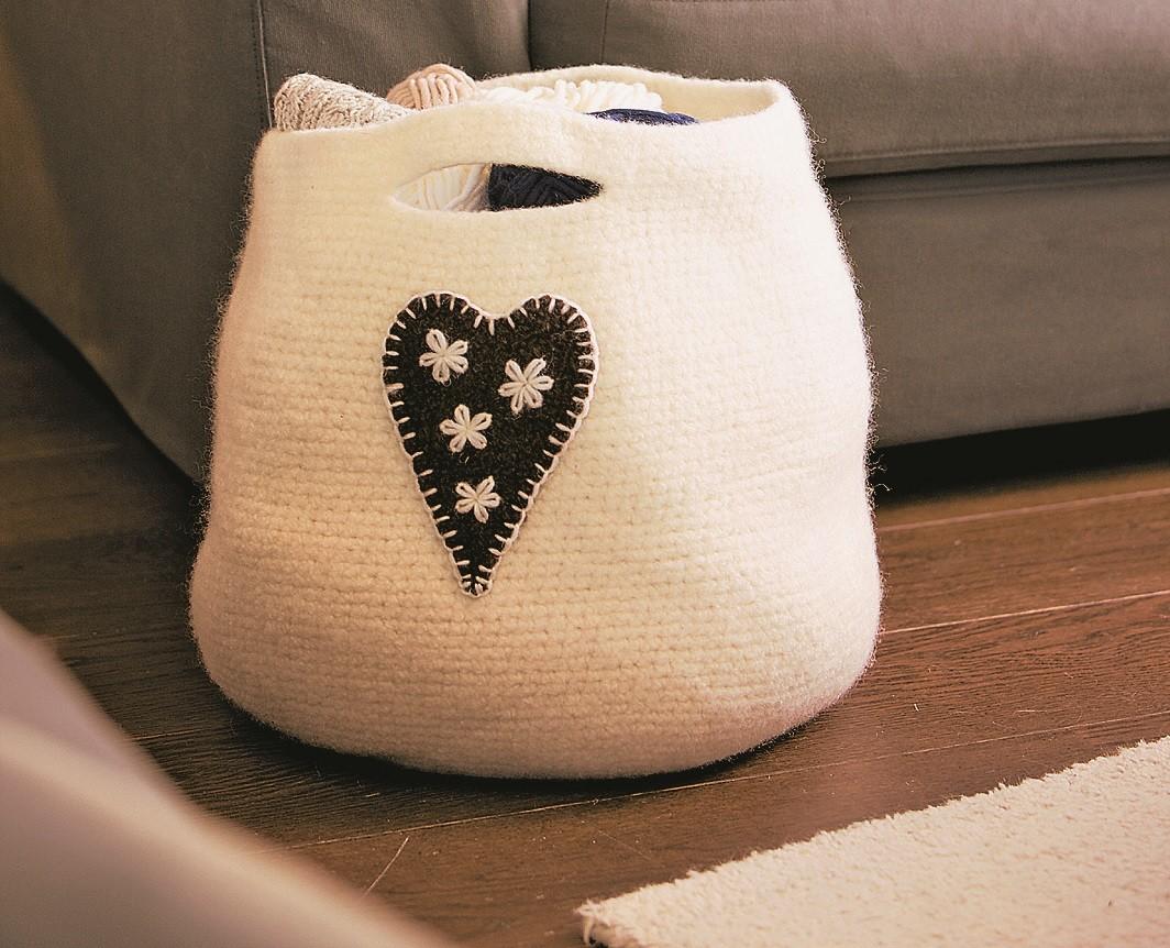 Как связать удобную и стильную сумку для газет