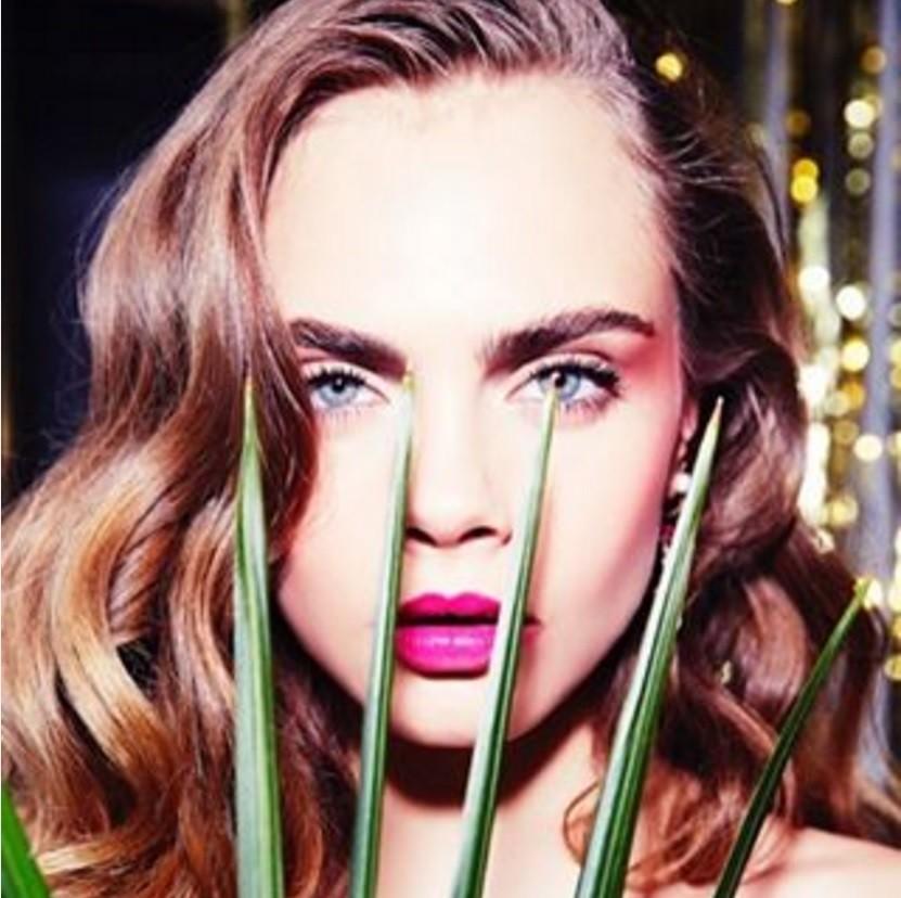Топ-модель Кара Делевинь решила сменить профессию