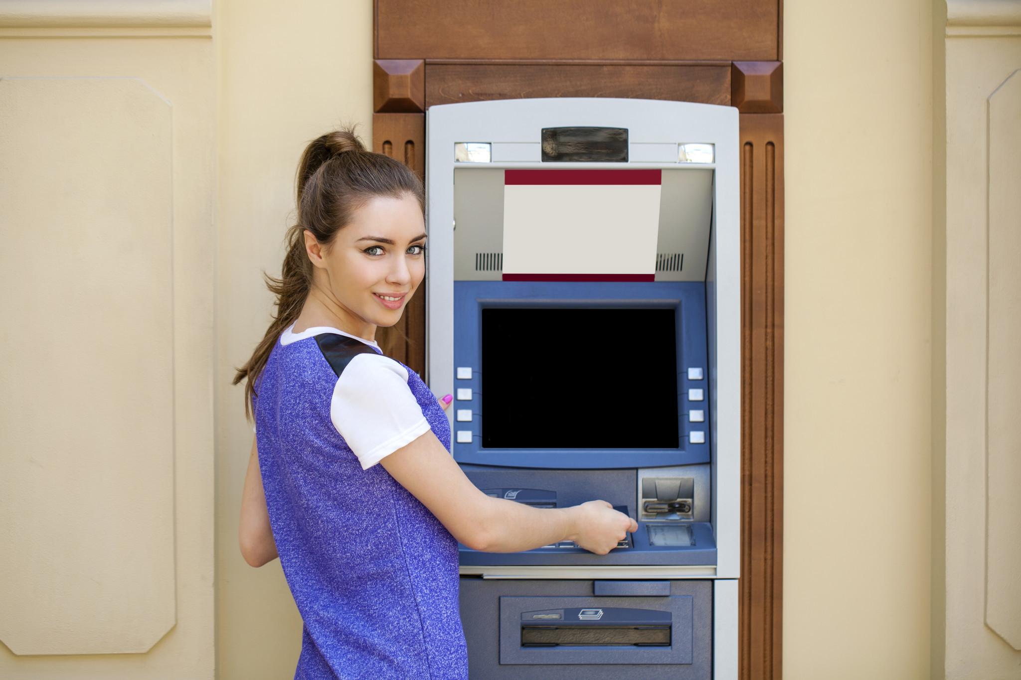 Куда уходят деньги с кредитки: важные нюансы