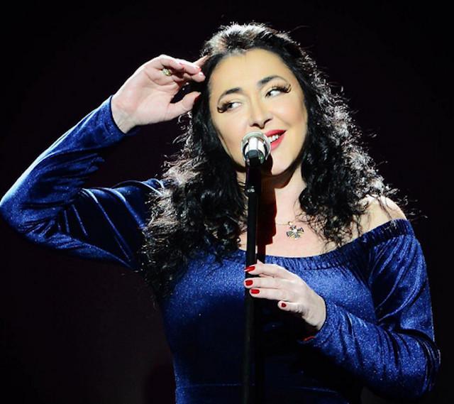 Певица Лолита Милявская решила помогать малоимущим