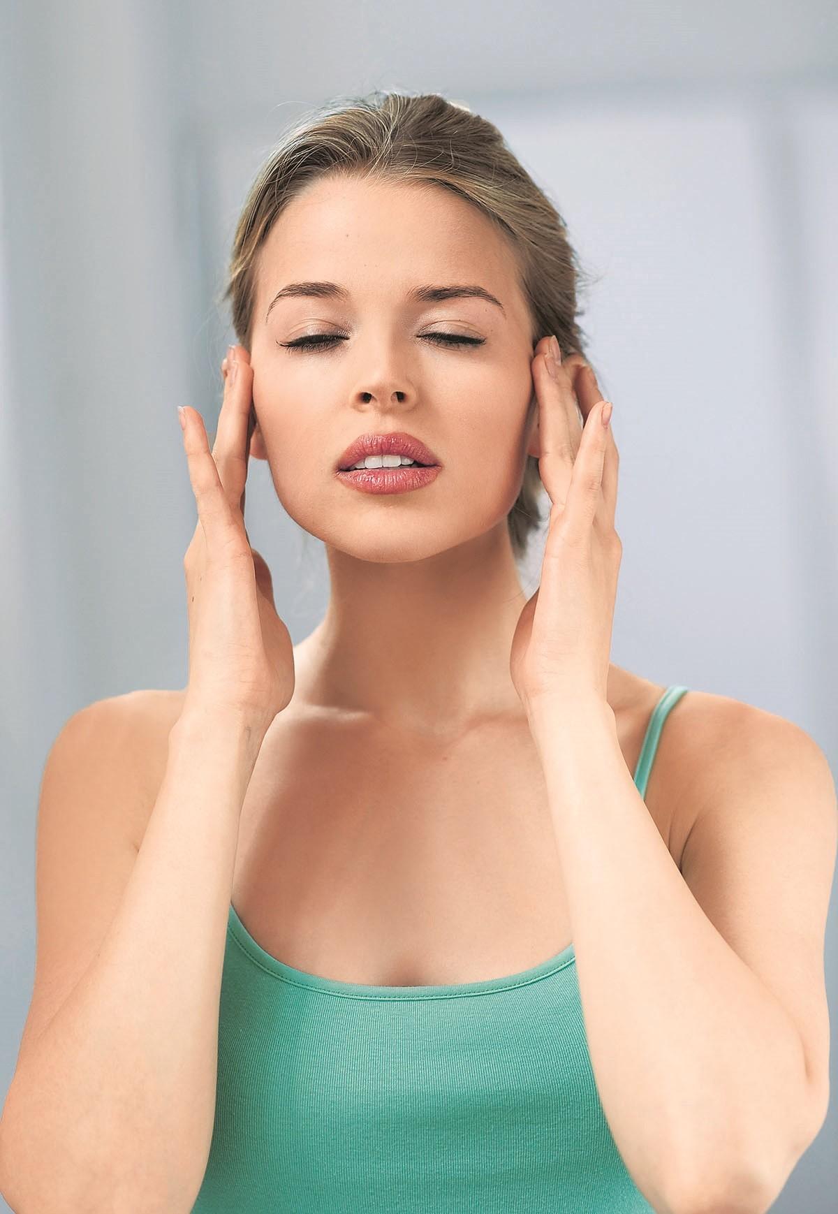 Перед месячными болит голова: как себе помочь