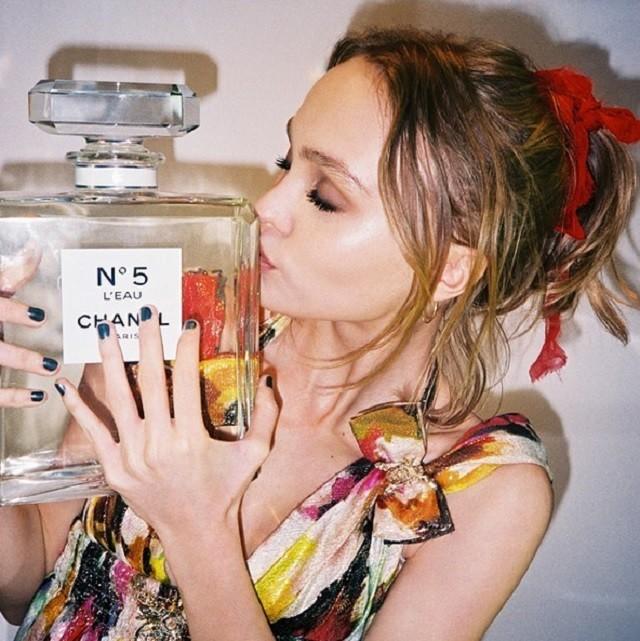 Дочь Джонни Деппа и Ванессы Паради стала лицом Chanel