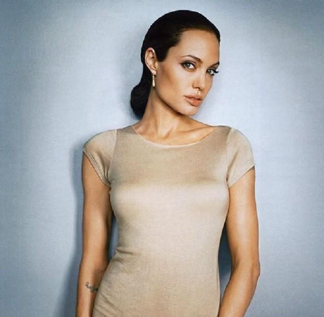 Анджелина Джоли в следующем году станет профессором