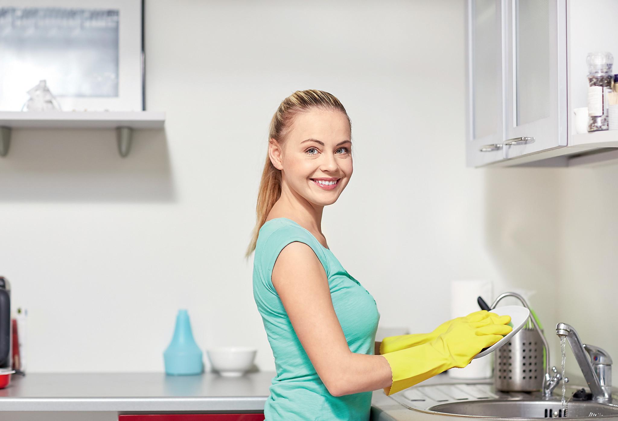 Как отмыть посуду до блеска: тефлон, керамика, пластик