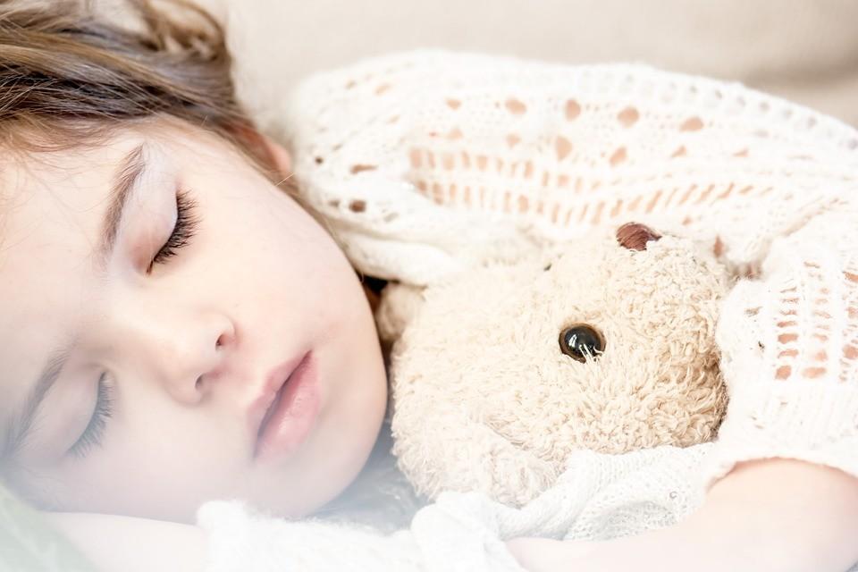 Ребенку снятся плохие сны: что делать?