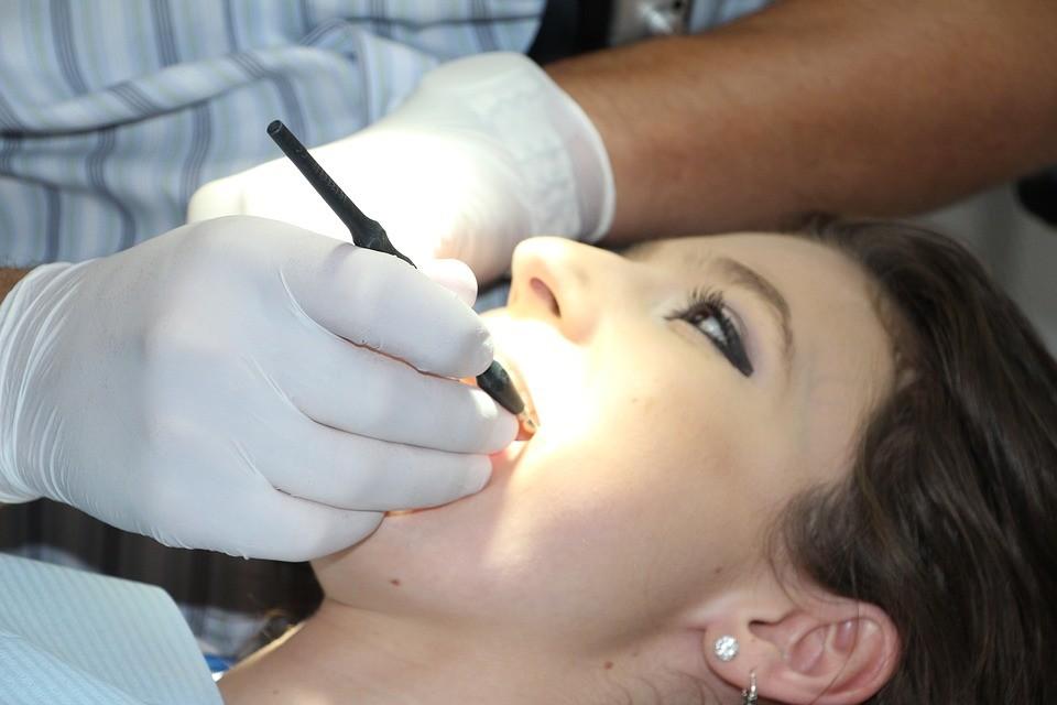Современные способы отбеливания зубов