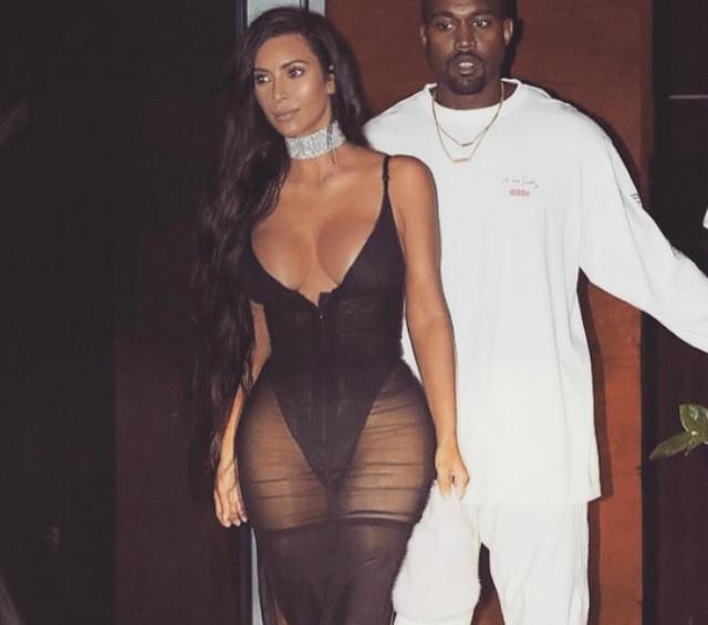 Откровенные платья Ким Кардашьян повергли всех в шок