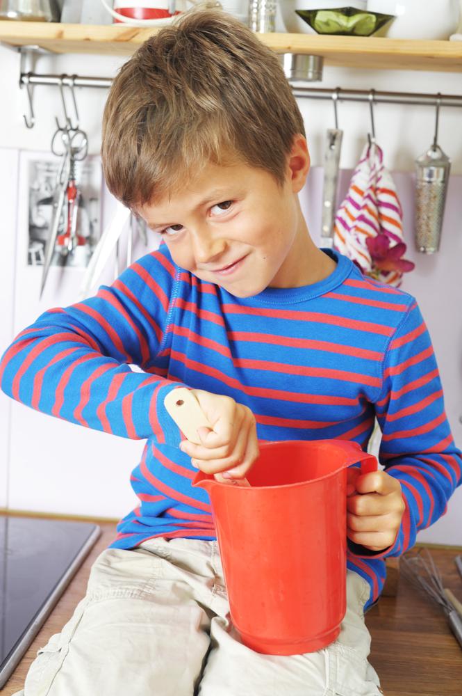 Ребенок один дома: ситуации, которые лучше предвидеть