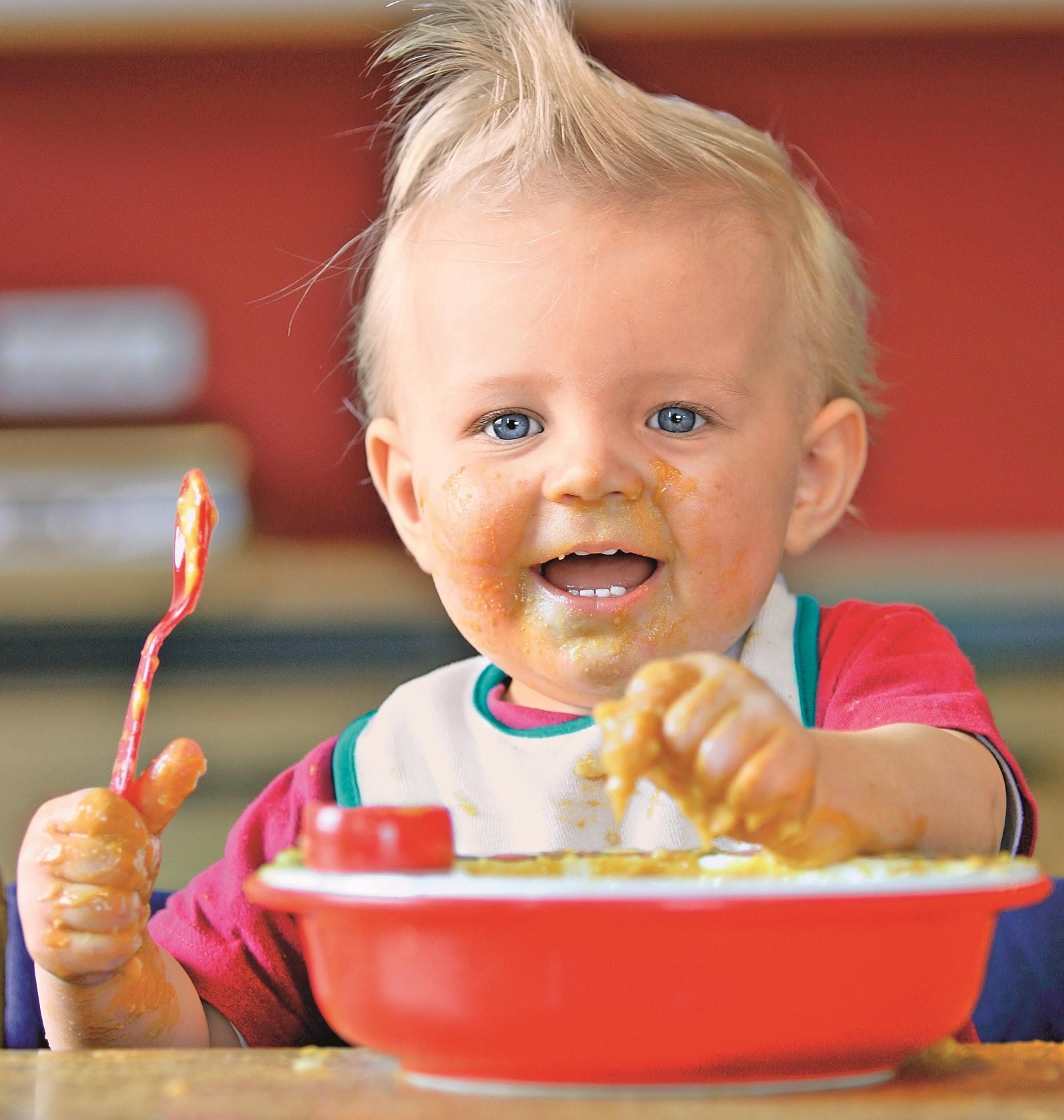9 распространенных мифов о кормлении детей