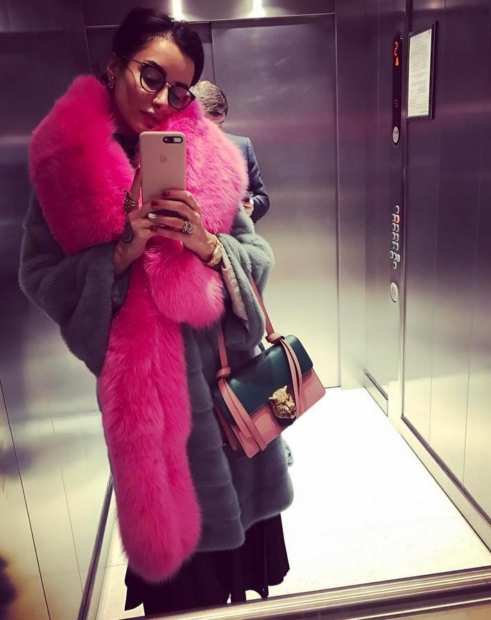 Модные образы в лифте: Топ-7 нарядов Тины Канделаки