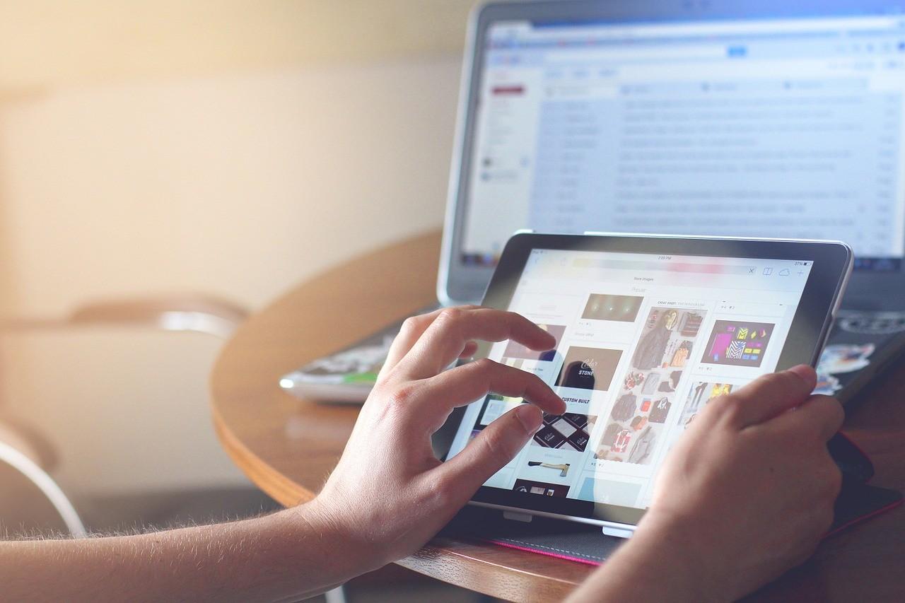 Онлайн-шопинг: самые потрясающие распродажи января