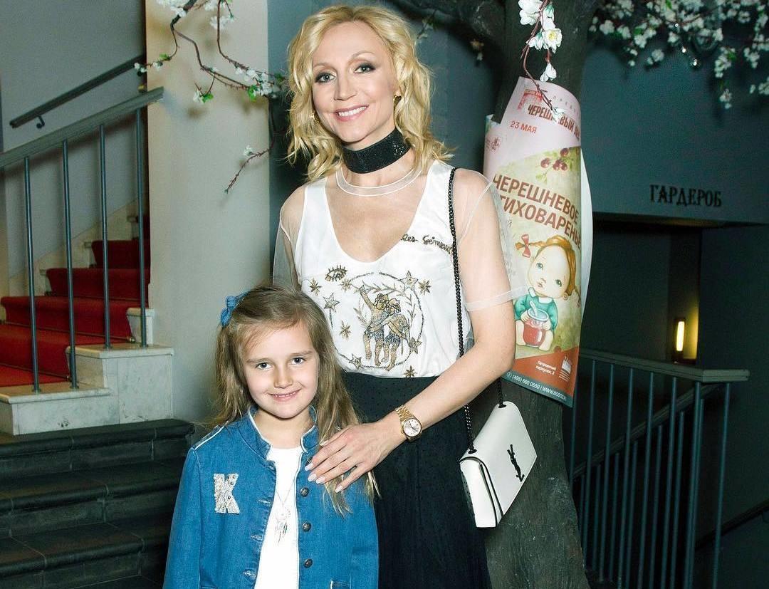 Как две капли воды: Кристина Орбакайте и ее дочь Клавдия