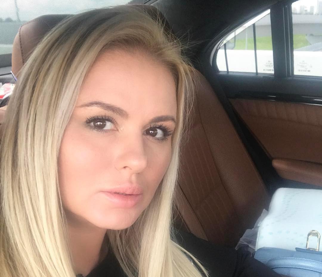 Какой Анна Семенович была до пластики?