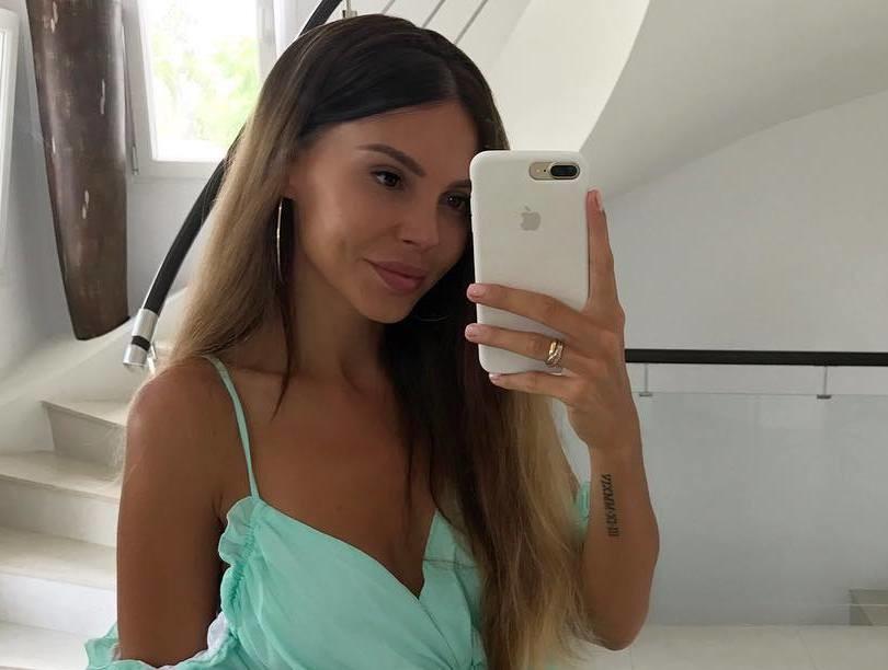Многодетная мать Оксана Самойлова похвасталась идеальной фигурой