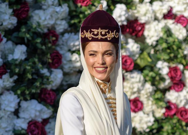 Сати Казанова показала фото с «европейской» части свадьбы