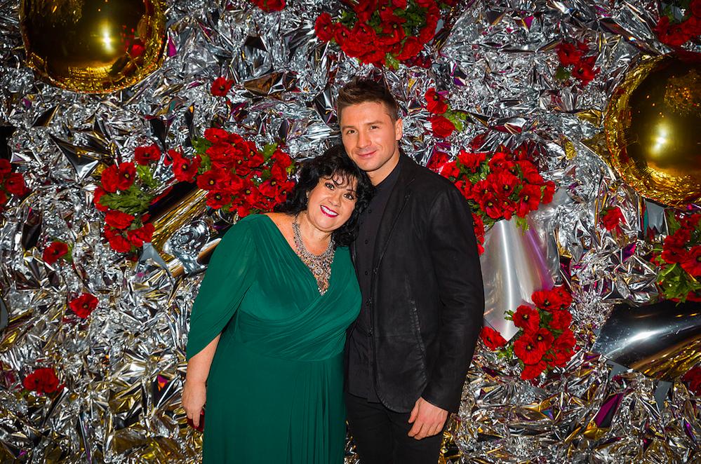 Сергей Лазарев трогательно поздравил маму с днем рождения